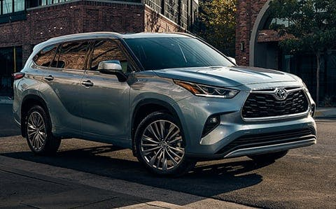 2020 toyota highlander - gray/blue exterior - blog post image