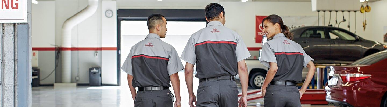 spitzer toyota - toyota service center - three technicians