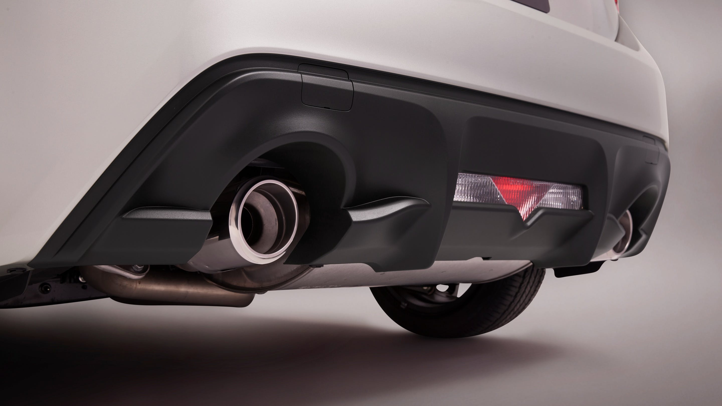 CHROME-TIPPED DUAL EXHAUST